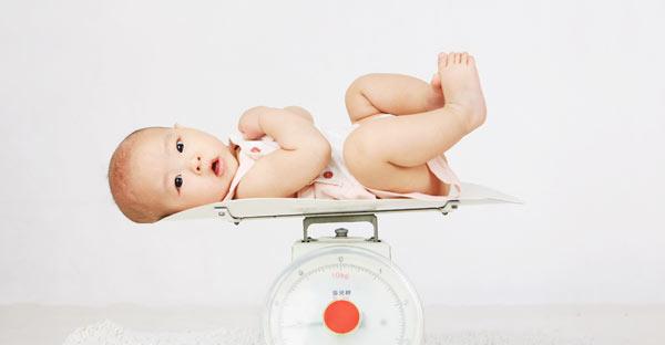 procentajul de pierdere în greutate sugari