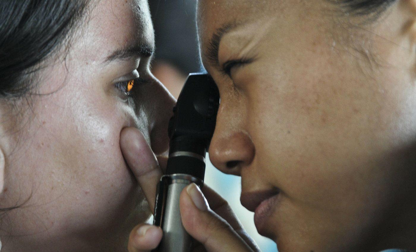 pierderea în greutate probleme oculare Pierdere în greutate feminin de 21 de ani
