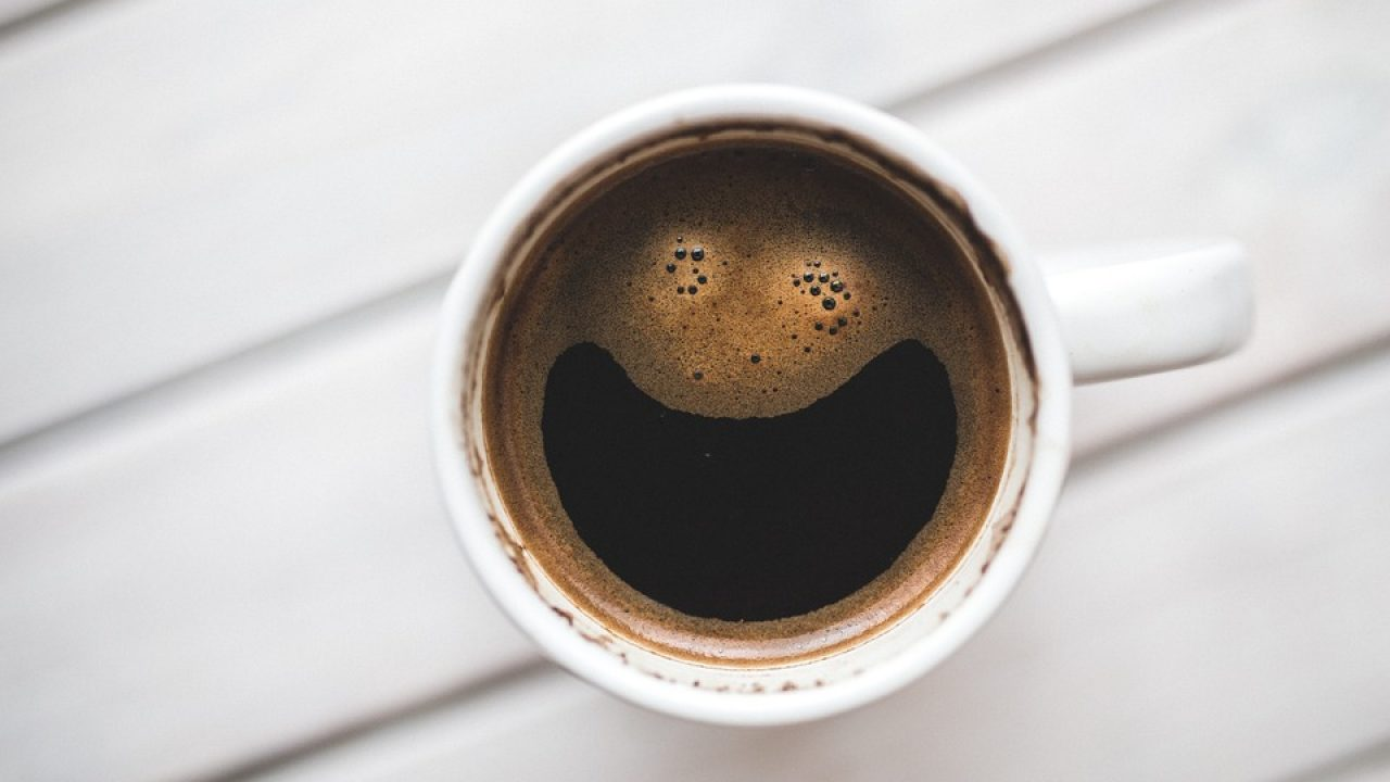 bea cafea arde grăsime