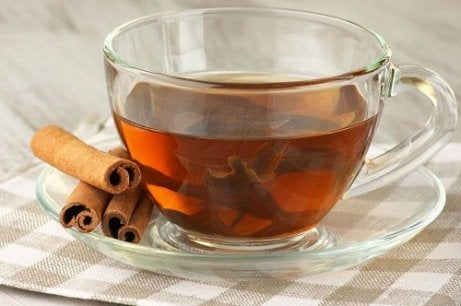 Cele mai bune 15 ceaiuri de plante pentru pierderea în greutate - funcționează eficient